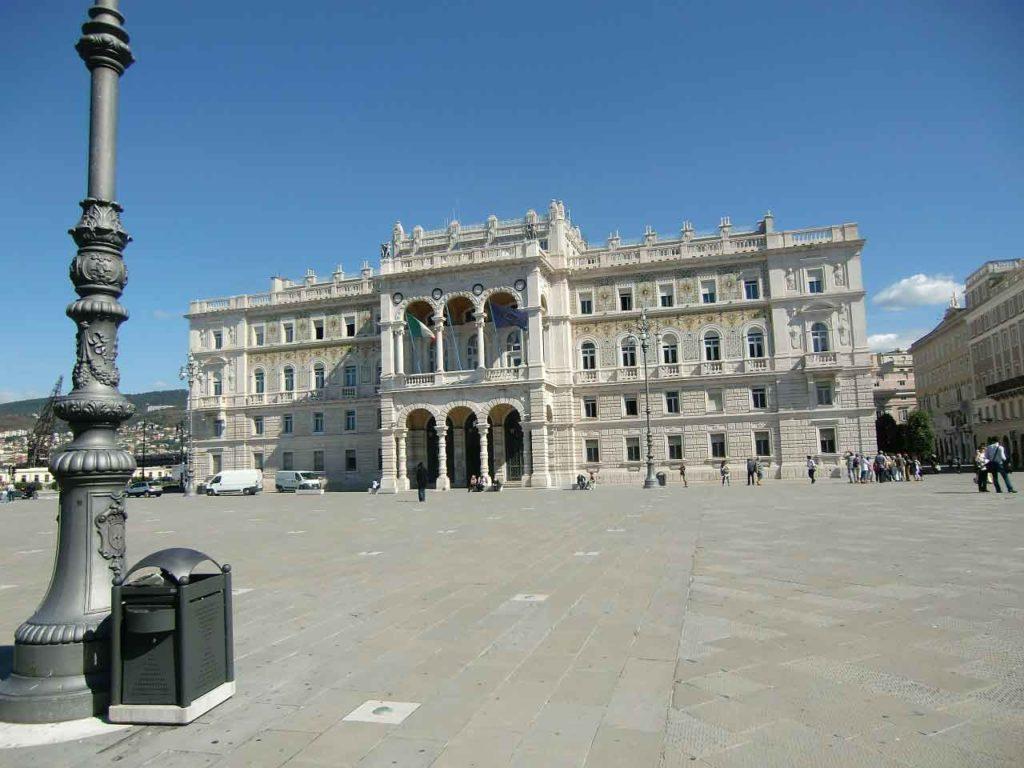 Palazzo del Governo in Piazza Unità a Trieste