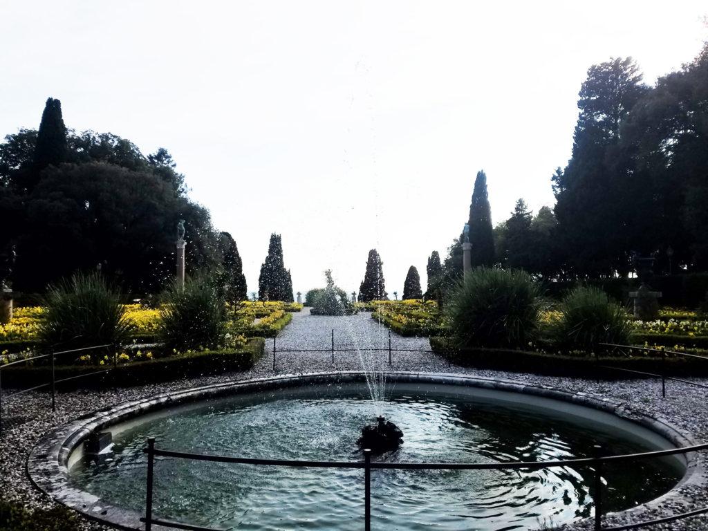 Fontana giardino italiana